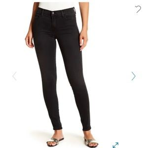J. Brand 620 Mid Rise Super Skinny Jeans Black 28